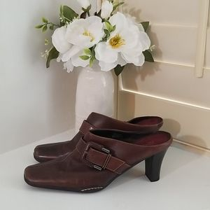 Aerosols Slip on Booties Brown Leather Size 8 New
